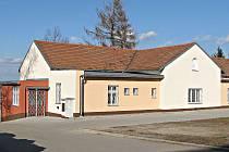 Budova nynějšího kulturního domů ve Zlosyni byla postavena už na konci 19. století.