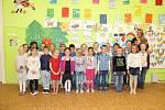 Žáci 1. třídy ZŠ Všetaty s paní učitelkou Alicí Ekertovou.