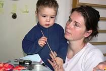 Iva Baťková s mladším synem Ondrou.