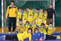 PÁTÉ MÍSTO obsadili na domácím turnaji mladší žáci házenkářského oddílu TJ EMĚ Mělník – I. HC Wendy.
