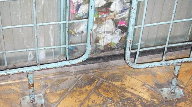 Tělocvičny základní školy Generála Klapálka jsou téměř v havarijním stavu.