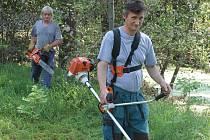 V rámci veřejně prospěšných prací pomáhají s likvidací škod po povodni nezaměstnaní i v Tuhani.