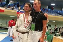 Trenér Shotokanu Neratovice Zbyšek Petržílek (vpravo) se svým svěřencem Pepínem Pacovským.