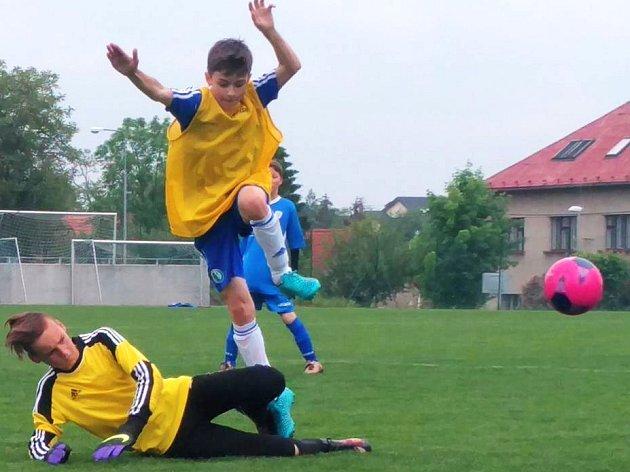 O ÚČAST NA FINÁLE Kába cupu se takto bojovalo například v Dolních Břežanech.