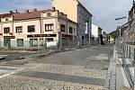 Třetí etapa rekonstrukce náměstí v Kralupech nad Vltavou je již v plném proudu. Předmětem této investice je realizace nových povrchů v Palackého ulici a v prostoru současného Palackého náměstí. To vše v návaznosti na již provedené předchozí dvě etapy.