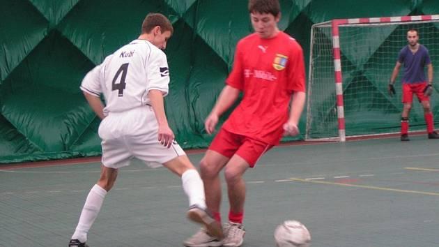 V jednom z mnoha utkání druhého hracího dne okresní ligy porazil Galacticos Velký Borek řepínské Partyzány 1:0.