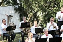 Mělnické kulturní centrum otevřelo na druhou polovinu prázdnin v sadech u Masarykova kulturního domu Relaxační art park.