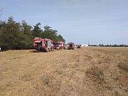 U Kralup se znovu rozhořel požár v lesíku, který hasiči likvidovali už ve čtvrtek.