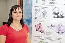 Daniela Moravcová představila své návrhy na výstavě studentských prací VOŠ ČZA v Mělníku.