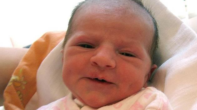 Lucie Chmelařová se rodičům Aleně Jelínkové a Martinu Chmelařovi z Mělníka narodila 3. května 2010, vážila 3,20 kg a měřila 51 cm.