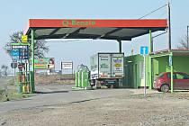 ÚŽICKOU čerpací stanici prý nahlásila České obchodní inspekci řidička, jejíž auto se mělo po natankování benzinu porouchat. Benzin však v testech dopadl výborně.