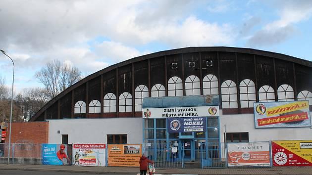 Mělnický zimní stadion se dočká opravy chlazení.