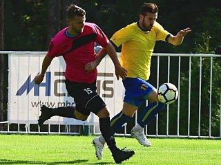 Neratovický Ondřej Brusch v akci během nedávného utkání na hřišti rakovnického Tatranu.