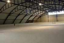 Kralupští zastupitelé posvětili přebudování malé haly v areálu zimního stadionu v Kralupech na víceúčelové sportoviště.