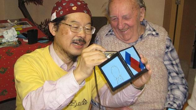 Takaaki Sonoda krasohledy vyrobené v Domě Kněžny Emmy vyfotografoval