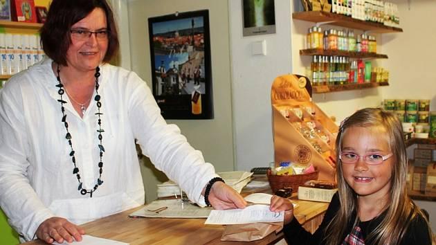 Lenka Durdíková míchá čaje všem bez rozdílu věku či pohlaví.