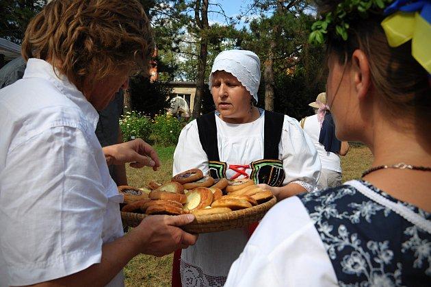 Zámek Veltrusy ožil v sobotu 11. srpna oslavami žní a obilí při tradiční akcí Dožínky hraběte Chotka.