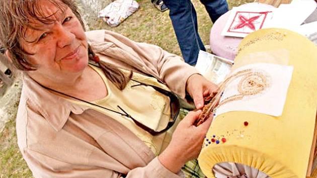 Jindřiška Červinková se paličkování věnuje už třiadvacet let.