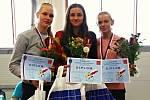 Johanka Vaculíková (uprostřed) po úspěchu v Memoriálu Marty Habadové.