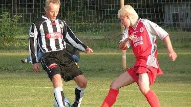Po dvou týdnech se na Podolí znovu představí nově založený tým FC Beck junior. Oproti zápasu s béčkem Velkého Borku (3:0) se v domácí sestavě dají očekávat další nové zajímavé tváře.