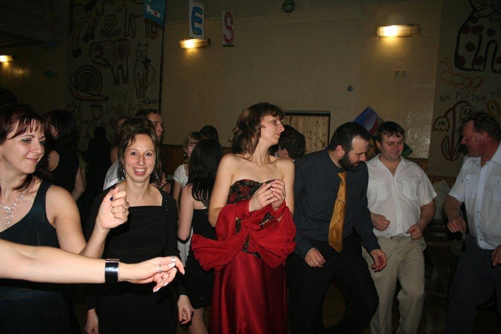 Ples Základní školy Mšeno