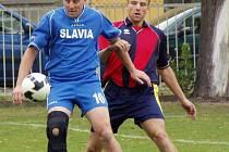 Z utkání Velký Borek ( v modrém) - Všetaty (5-0)