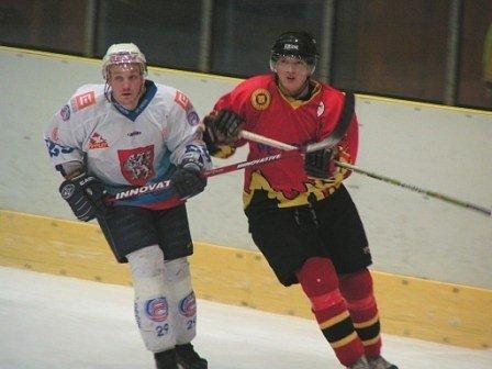 Mělničtí hokejisté budou chtít proti Roudnici navázat na dobrý výkon z utkání s Děčínem, které minulou neděli vyhráli po prodloužení 3:2.