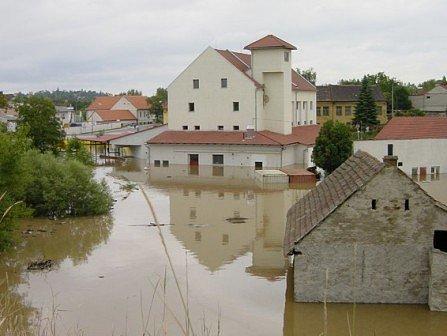 13. srpna začaly evakuace v mnohých obcích a městech.