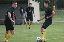 FC Lobkovice (v černém) - AFK Hořín; 30. kolo okresního přeboru; 13. června 2015