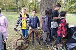 Ekologické centrum v Kralupech nad Vltavou uspořádalo ve spolupráci se Základní školou Jodlova v letošním roce již druhou úklidovou akci v rámci projektu Kralupy – čisté město, do něhož je tato škola zapojena od roku 2011.