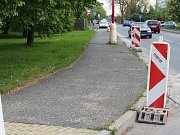 Dopravní omezení se bude posouvat podle prací stavební firmy. Vozovka se nebude zavírat úplně, maximálně zužovat.