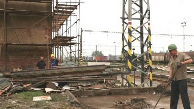Zastaralé železniční stanice se mají proměnit v městská centra.