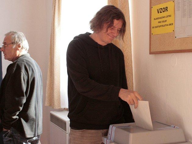 Ve volební místnosti v Cítově.