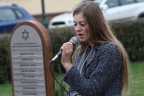 Ve Mšeně odhalili pamětní desku obětem holocaustu.