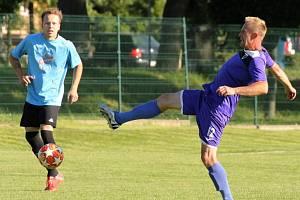 Fotbalisté Chotětova si při oslavách devadesáti let svého klubu poradili s už jistě sestupujícími Vojkovicemi 9:0.