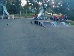 V současné době je skatepark v Kralupech v dezolátním stavu. Oba dva raily (železné tyče zabudované do země) si museli vyrobit na vlastní náklady návštěvníci parku.