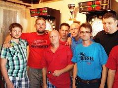 Spolek neratovických šipkařů a Sport club FraJa Neratovice pořádají šipkový turnaj.