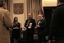 Vobřadní síni Městského úřadu Mělník se vúterý 10. prosince uskutečnil křest a slavnostní uvedení knihy, která zaujme nejen milovníky historie.