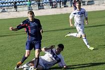 SK Kladno (v bílém) - FK Neratovice/Byškovice (0:1 po PK); 14. kolo divize B; 8. listopadu 2014