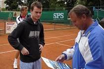 Jan Šátral nedávno došel na turnaji doma v Mělníku až do finále.