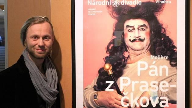 Autor výstavy Miroslav Král sbírá různé divadelní programy už dlouhá léta.