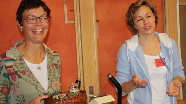 Ředitelka projektu Dana Fragnerová a Lucie Zvelebilová, vedoucí aktivizačního úseku v DKE (zleva).