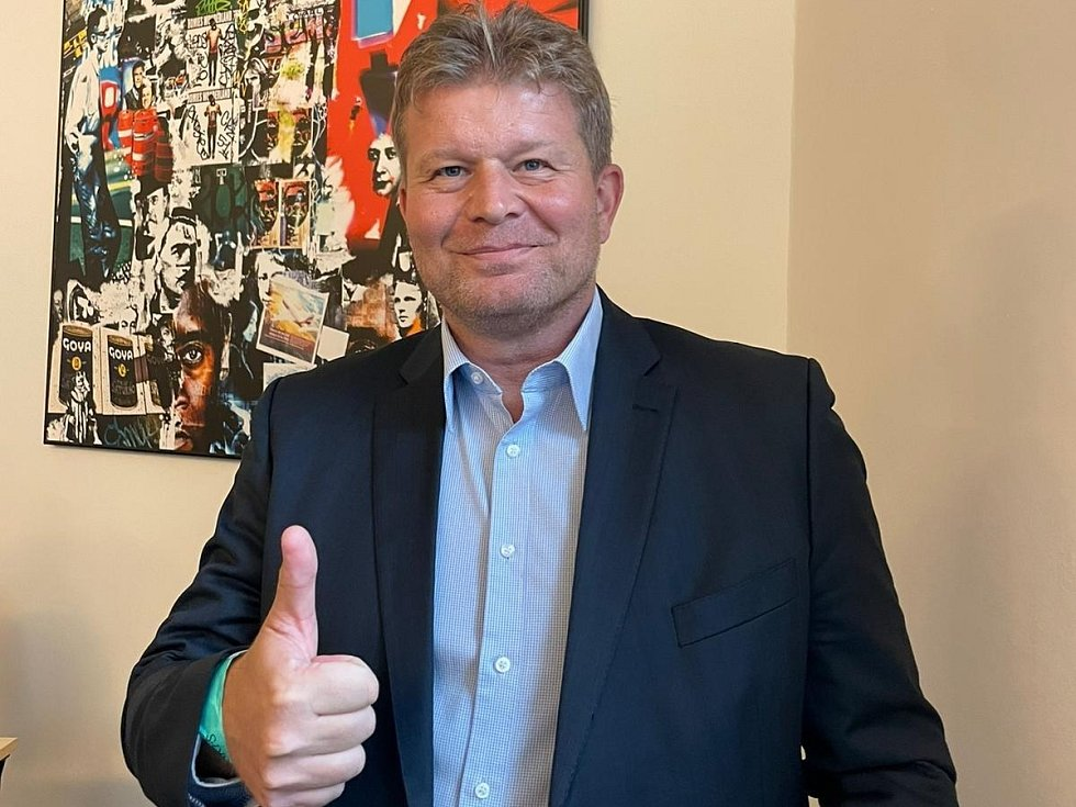 Kandidát Fevoluce Tomáš Neumann byl zvolen novým předsedou Středočeského krajského fotbalového svazu.