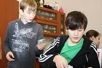 V RC Všetaty - Přívory se školáci formou hry učí, jak hospodařit s penězi.