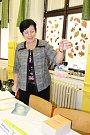 Do dvou volebních místností na mělnické základní škole Jungmannovy Sady se hrnuli voliči už patnáct minut před otevřením volebních místností. Za prvních pět minut tu odvolily zhruba tři desítky voličů.