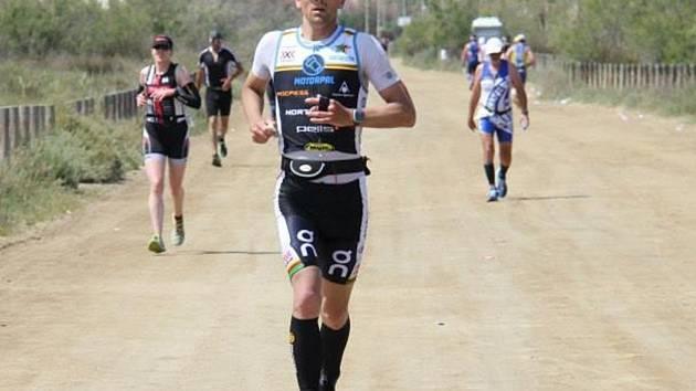 Neratovický triatlonista Jaroslav Brynda na mistrovství Katalánska v dlouhém triatlonu
