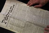Ve schránce se našly pamětní listiny z roku 1876 - Národní listy, Pokrok a Pšovan ze stejného roku, dále pak Pokrok z roku 1877, balada Husův popel, předvolební materiály Serváce Hellera a vizitka mšenského knihaře Františka Kartera.