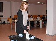 Ve volebních místnostech Základní školy Generála Klapálka v Kralupech nad Vltavou volily dva okrsky.