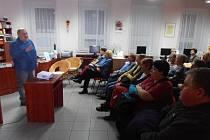 V Městské knihovně v Kralupech nad Vltavou bude ve dnech 30. září – 5. října probíhat Týden knihoven. Návštěvníci se mohou těšit hned na úvodní den, kdy se uskuteční beseda manželů Vackových s názvem Salvador – Guatemala – Mexiko – Belize.