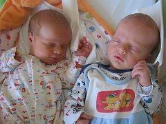 Klaudie a Adam Černí se rodičům Kamile a Petrovi z Mělníka narodili v mělnické porodnici 26. června 2015. Klaudie vážila 2,81 kg a měřila 49 cm a Adam vážil 2,80 kg a měřil 50 cm.